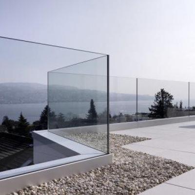 baranda cristal embuitida